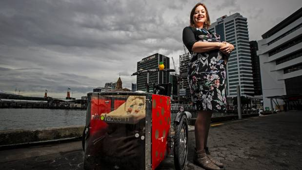 New Zealand politician cycles to hospital to give birth