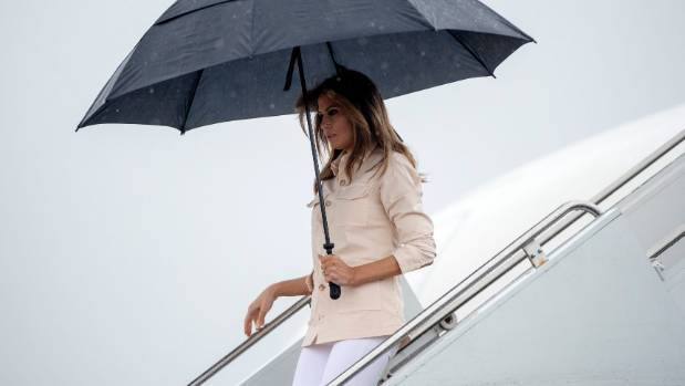 Melania Trump makes surprise visit to US-Mexico border