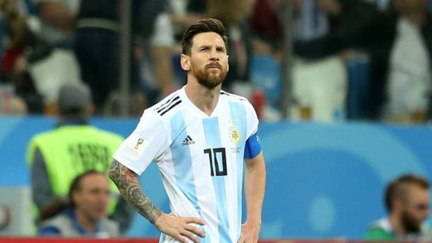Mascherano: Messi is desperate to help Argentina