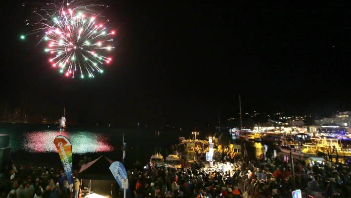 Drone Interrupts Queenstown Lightshow At Winter Festival Stuff Co Nz