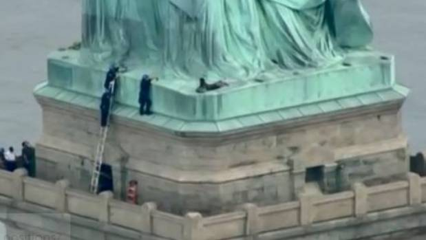 Arrested Statue of Liberty Climber Identified as Congolese National