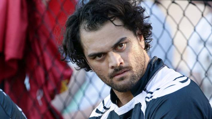Waratahs sign Karmichael Hunt on 1-year deal