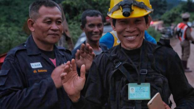 Rescuers begin 'challenging' final push to free last five from Thai cave