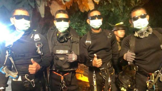 Video of high risk rescue in Thai cave