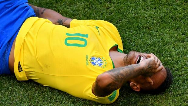 Neymar trolls #neymarchallenge, teaches young fans to fall after foul