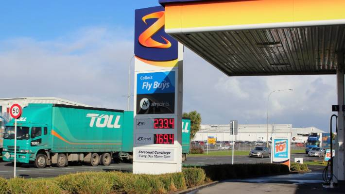 Shifting Petrol Prices Putting Auckland Motorists Under