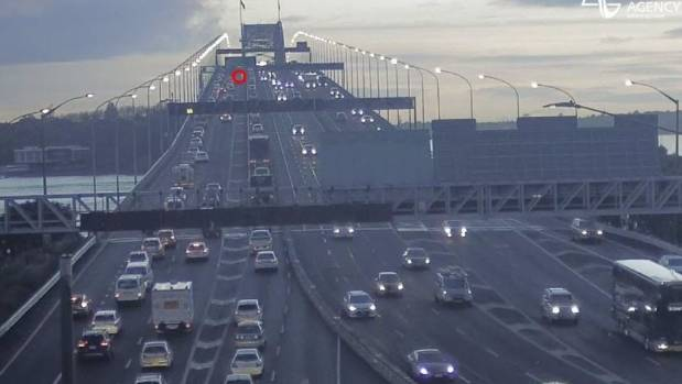 Commuters face big delays after vehicle breakdowns on Auckland motorways