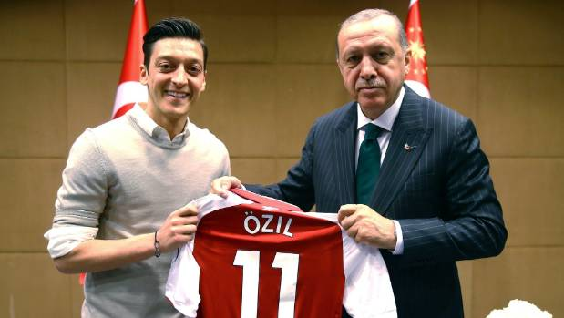 Emery respects Ozil's Germany choice, says Arsenal is his 'home'