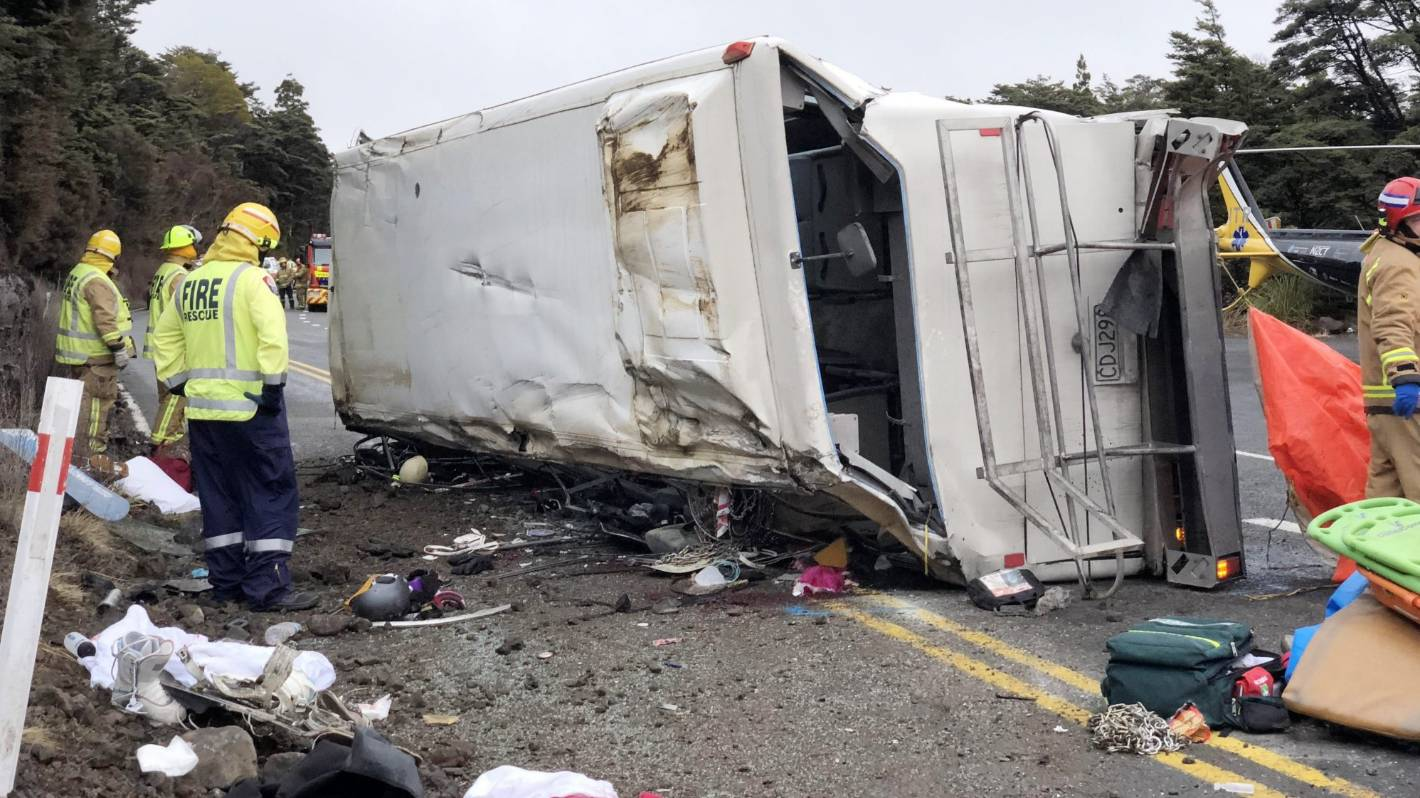 Passengers Say Brakes Failed On Bus That Rolled Killing A Child At Dvd R Maxell 16x Bulk Pack 50 5 Tongariro National Park