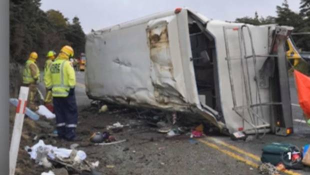 Police say anyone who was aboard or saw a fatal bus crash on Mt Ruapehu to come forward.
