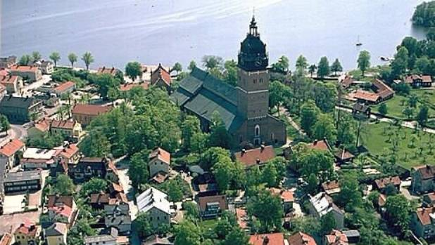 Swedish crown jewels stolen from cathedral before…