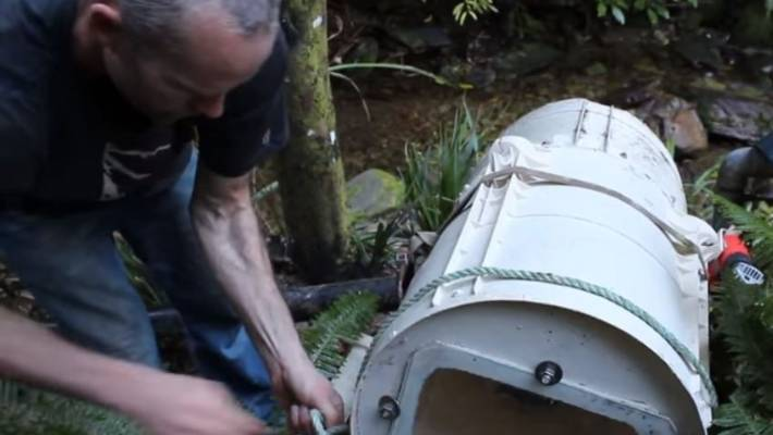 Converted Washing Machine Provides Free Power To Angry