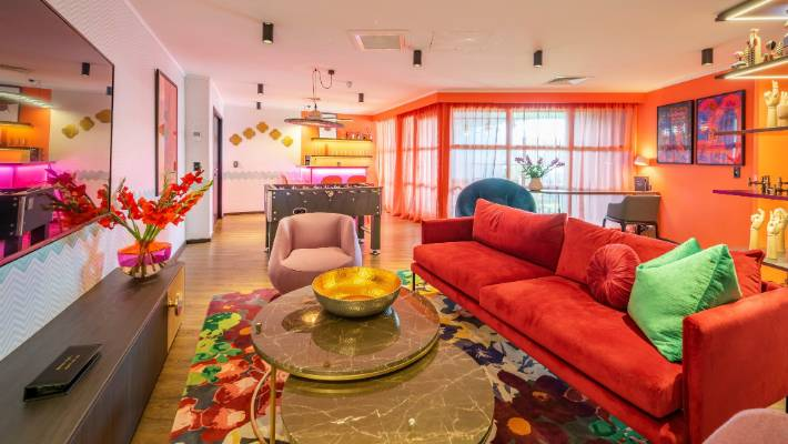 A Homage To Day Glo And Hedonistic Fun The Ziggy Suite Has Neon