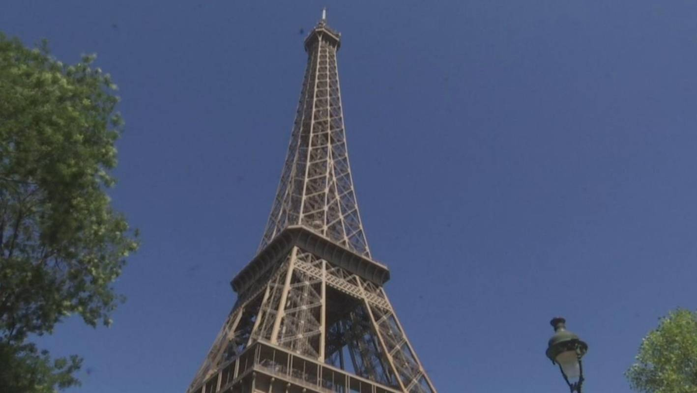 How To See The Eiffel Tower Without Going To Paris Stuff