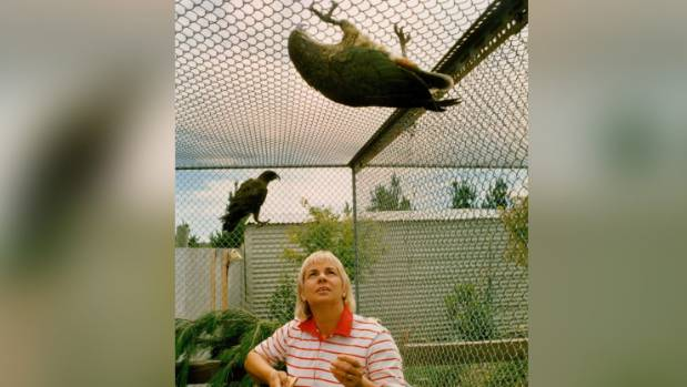 The late Dawn Stewart, an internationally renowned parrot breeder, with Casper and Stumpy in 1995.