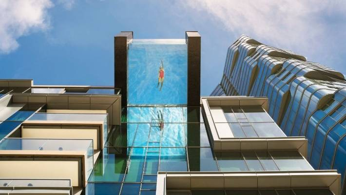 Extreme swimming pools are the latest 39 must have 39 for high - Windsor village swimming pool houston tx ...