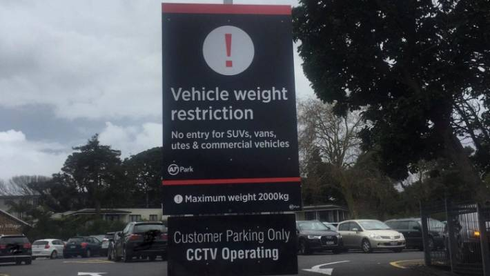 Remuera tractors', vans and utes prohibited from Auckland car park