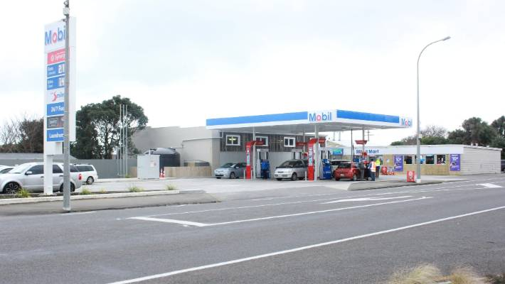South Taranaki Town Gets A Brand New Petrol Station Stuffconz
