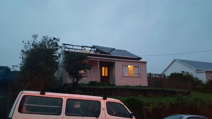 Tornados Damage Homes In Central New Plymouth And Ohope Stuff