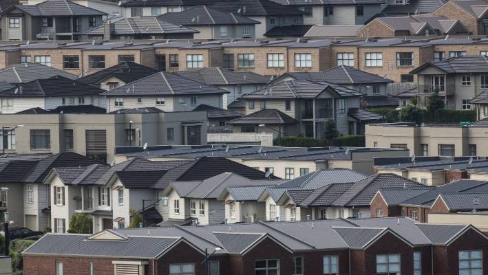 Qv Data Shows New Zealand House Prices Falling Stuffconz