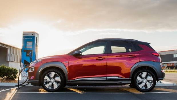 Hyundai Kona Electric is a regular SUV with EV capability over long distances. Yes, it costs - but we are on our way to a future plug-in.