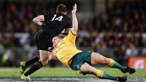 Ben Smith leaves Tom Robertson in his wake as the All Blacks launch another attack against the Wallabies.