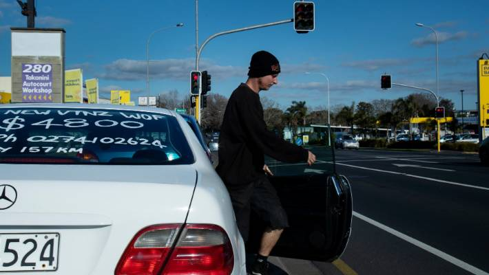 Car Dealers Frustrated By Roadside Sellers Luring Away
