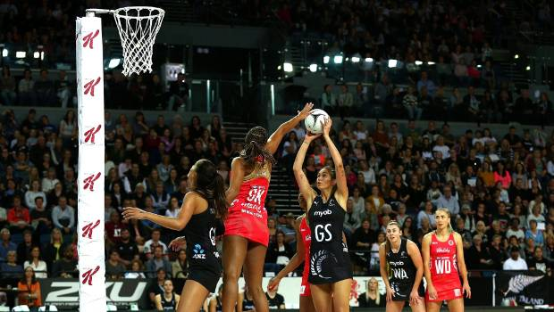 Ameliaranne Ekenasio had a poor shooting night for the Silver Ferns.