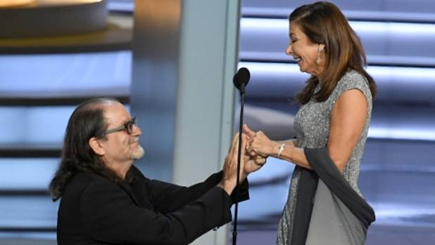 Emmy victor Glenn Weiss proposes to girlfriend during speech, shocks audience