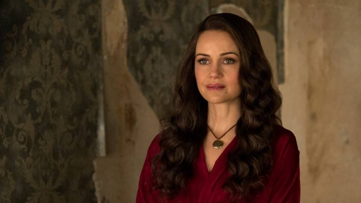 'Haunting Of Hill House' To Return After Being Renewed As Anthology