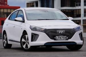 This is the third distinct version of the Ioniq to be launched: a plug-in hybrid, or PHEV.