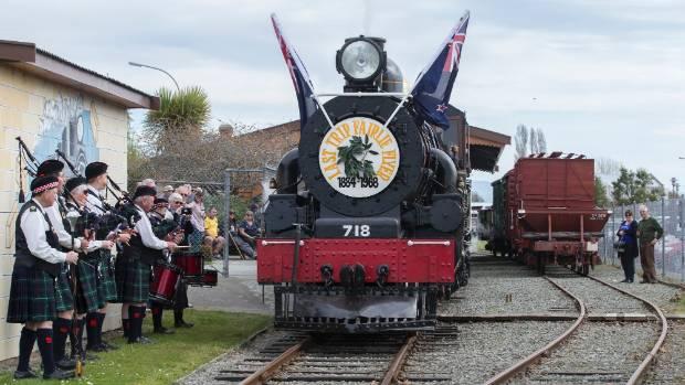 Old steam locomotive back on track in roaring revival