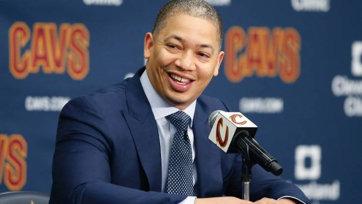 Cleveland Cavaliers head coach Tyronn Lue has lasted just six games after  the departure of LeBron b90066863