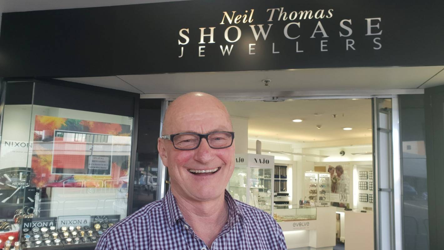 Hamilton jewellery store closing at Christmas after more
