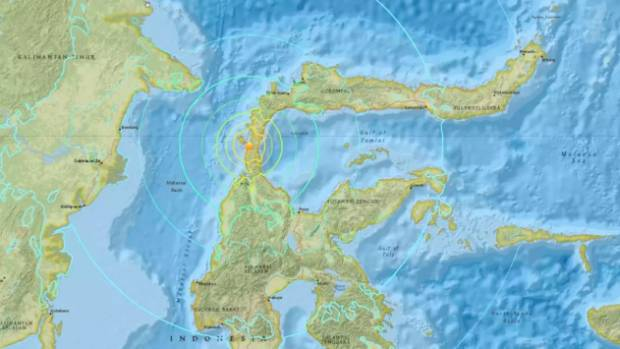 Major quake and tsunami cause deaths in Indonesian city