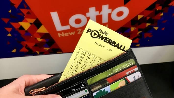 Three Auckland tickets win big in Lotto draw | Stuff co nz