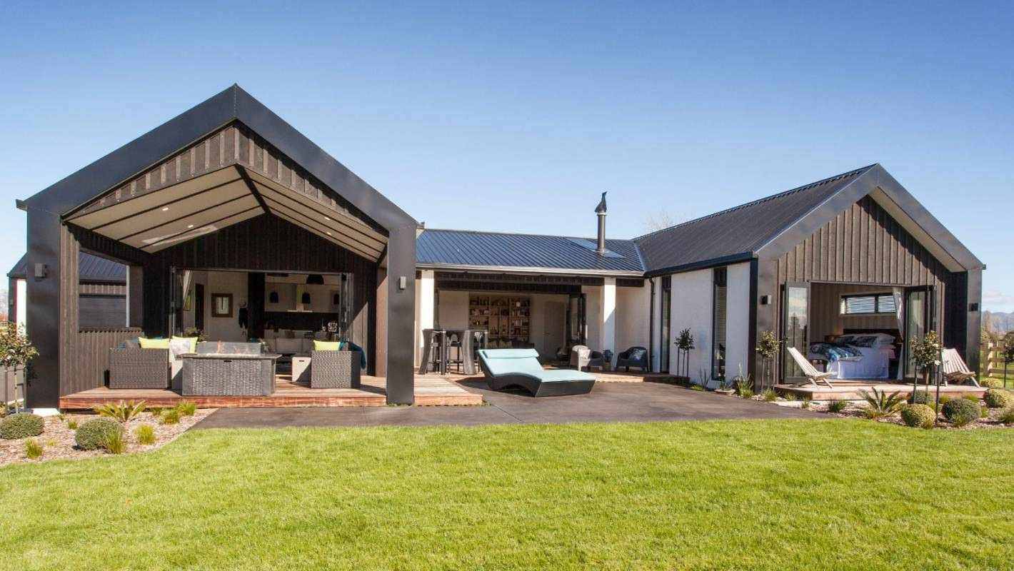 black vincent timber clad houses | What are the hot home trends seen by judges in Master ...