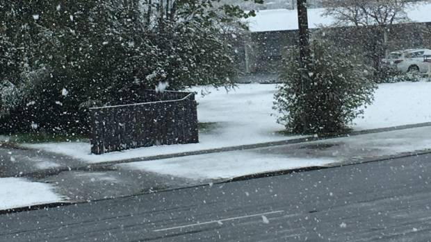 Snow continues to fall in Te Anau as a cold snap passes through.