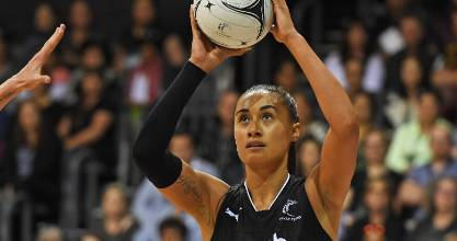 Maria Folau led the way in the Silver Ferns'  55-44 victory over Australia in Hamilton, slotting 40 goals from 41 attempts.