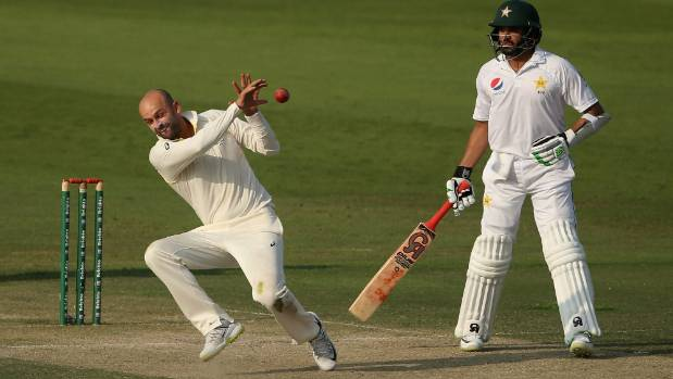 Azhar Ali involved in a freaky run-out