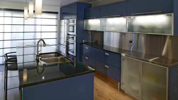 How many nineties renos featured a blue kitchen? It's time to choose another hue.