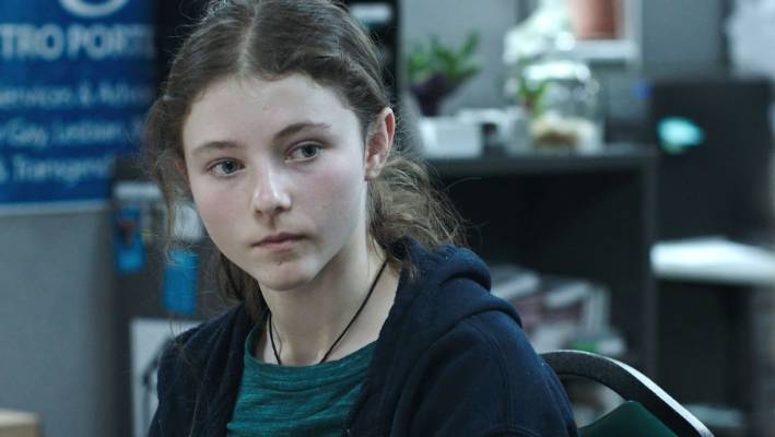Thomasin Harcourt McKenzie in Leave No Trace - The kiwi actress has been snubbed by the Golden Globes.
