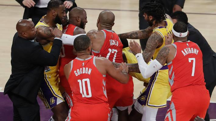 premium selection 3a1ea 7d4cb Three ejected after fight in LeBron James' home Lakers debut ...