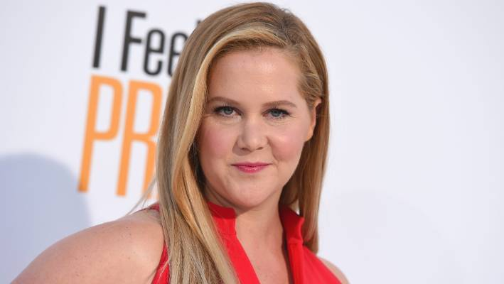 Amy Schumer is expecting a boy, announces details in post denouncing Wendy's