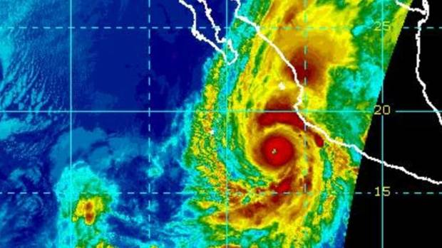 'Extremely dangerous' Hurricane Willa aims for Mexico's west
