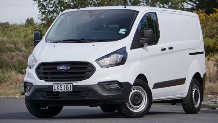 60e625d32f Transit Custom has gained hi-tech new engine and an automatic transmission.  And big