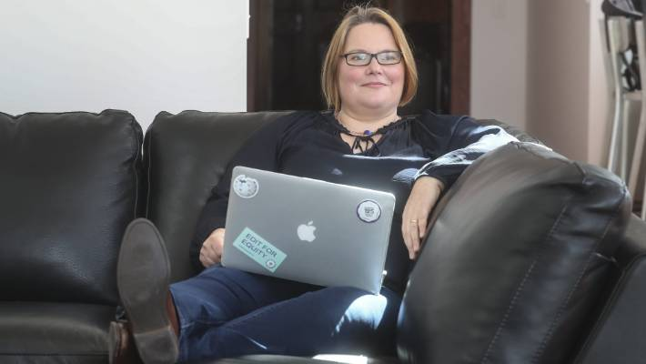 Stay-at-home mum Siobhan Leachman is one of about 160 Kiwis helping decide which New Zealanders are Wiki-worthy.