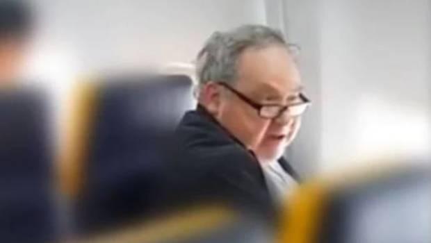 Police probing racial abuse incident on Ryanair flight