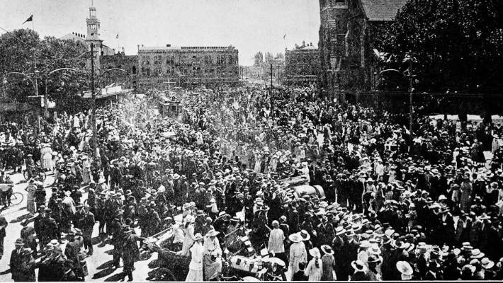 Huge crowds gathered in Christchurch's Cathedral Square, despite the influenza sweeping the world.