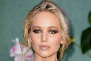 LONDON, ENGLAND - SEPTEMBER 06:  Jennifer Lawrence attends the 'Mother!' UK premiere at Odeon Leicester Square on ...